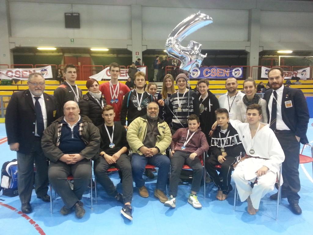YKKF Karate Team Italia – 16 medaglie al Trofeo Nazionale Gattamelata